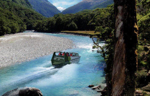 Travel-NewZealand-luxury-tailor-made-tour-package-boating