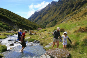Travel-NewZealand-luxury-tailor-made-tour-package-hiking